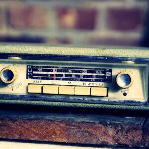 DAB+ Autoradio nachrüsten in Ihrer Autowerkstatt in Hittnau